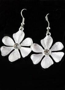 Fashionable Delicate Silver Flower Earring