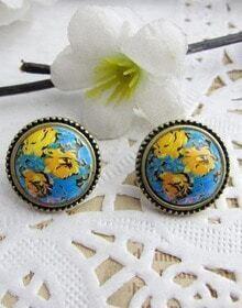 Gold Flower Pattern Stud Earrings