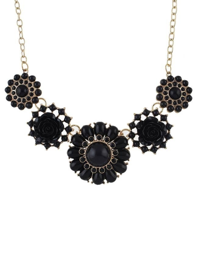 Black Gemstone Gold Flower Necklace