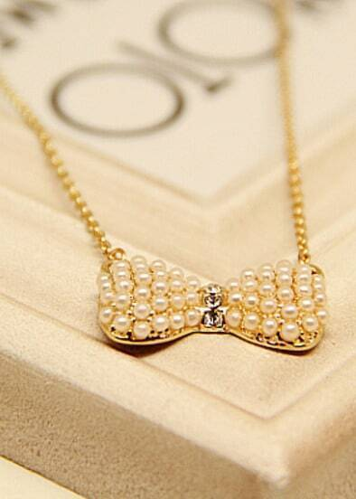 Gold Bow Pearls Necklace