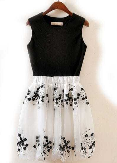 Black Contrast White Embroidered Flare Pleated Dress