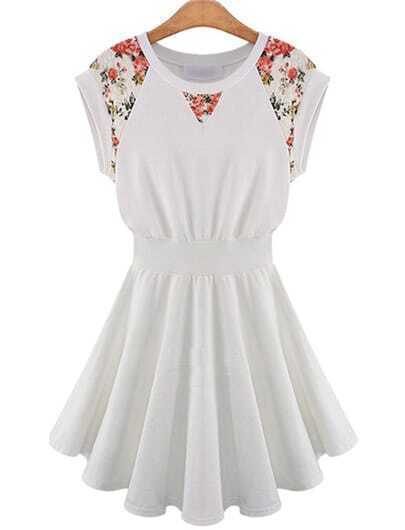 robe cascade contrastée en dentelle