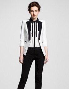 White Contrast Lapel Slim Blazer