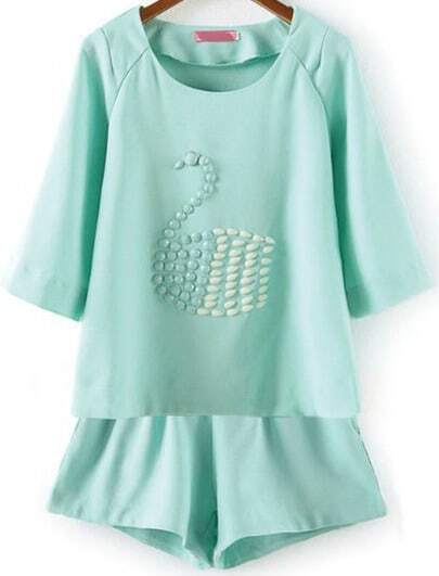 Green Half Sleeve Bead Swan Pattern Top With Shorts