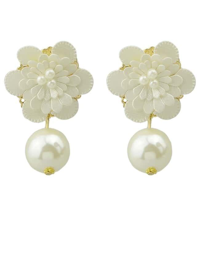 White Pearl Gold Flower Earrings