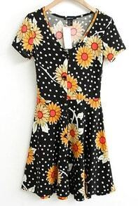 Black Short Sleeve Dot with Chrysanthemum Print Dress