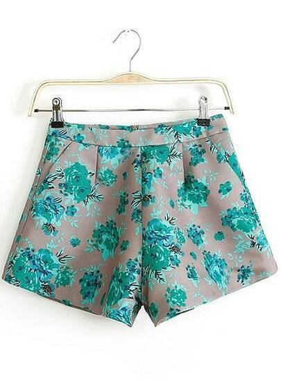Green Pockets Floral Straight Shorts
