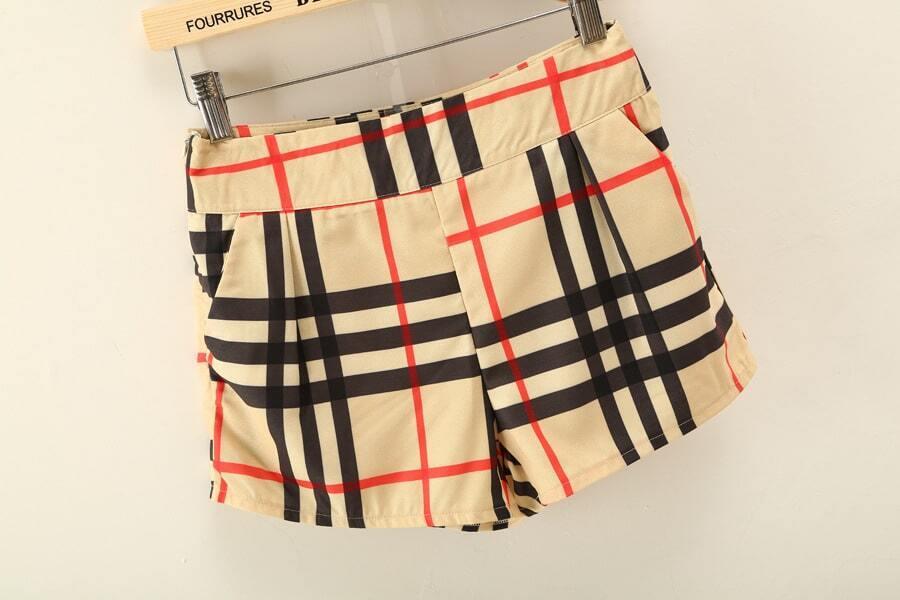 op sans manche plaid avec shorts french shein sheinside. Black Bedroom Furniture Sets. Home Design Ideas