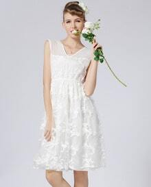White V Neck Sleeveless Embroidered Lace Dress