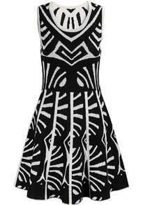 Black Sleeveless Geometric Pattern Pleated Dress