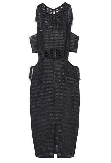 Чёрное платье с открытой спиной