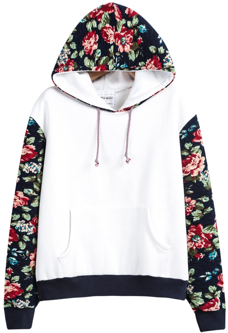 This pullover sweatshirt with a bright hue is a comfort creature we can't live without, especially with a bold, vivid floral graphic that is one of our favorite classic graphics, which makes it in full bloom.