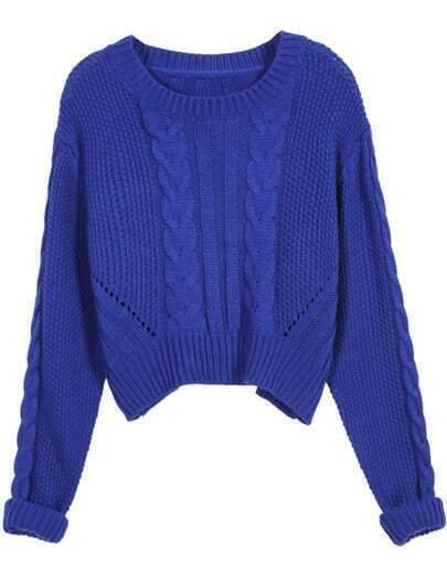 Синий вязаный косами свитер