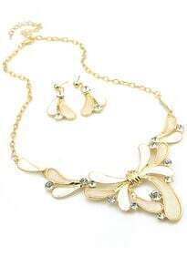 White Flower Gemstone Gold Necklace With Earrings