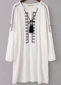White Long Sleeve Embroidered Loose Dress