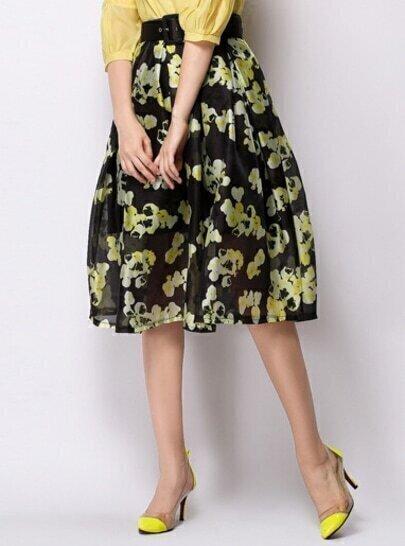 Falda con vuelo floral amarillo-negro