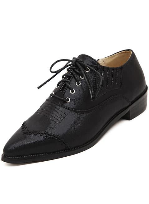 Black Point Toe Shoelace Flat