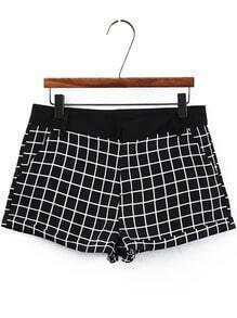 Black Pockets Plaid Shorts