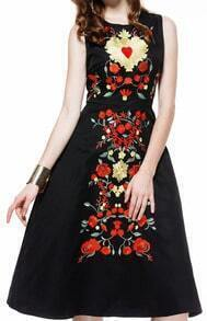 Black Round Neck Sleeveless Embroidered Dress
