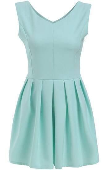 Green V Neck Sleeveless Pleated Dress