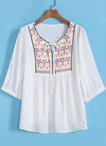 White Half Sleeve Embroidered Loose Blouse