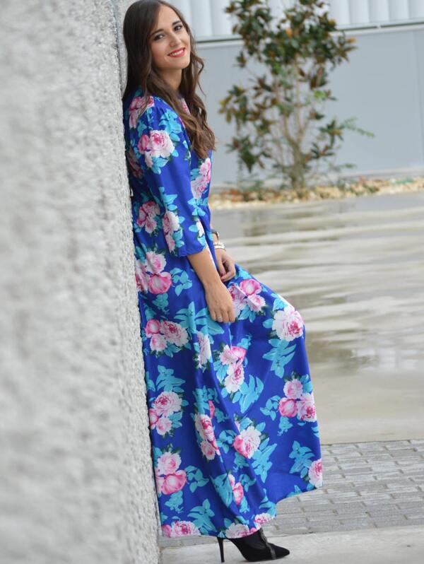 ddea4807ba3 Multicolour Round Neck Long Sleeve Hibiscus Perfect Floral Maxi Dress |  SHEIN IN