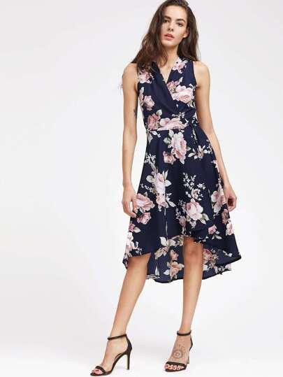 Kleid mit v-Ausschnitt und Blumenmuster
