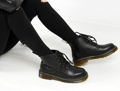 Black Thick-soled Round Toe PU Boots
