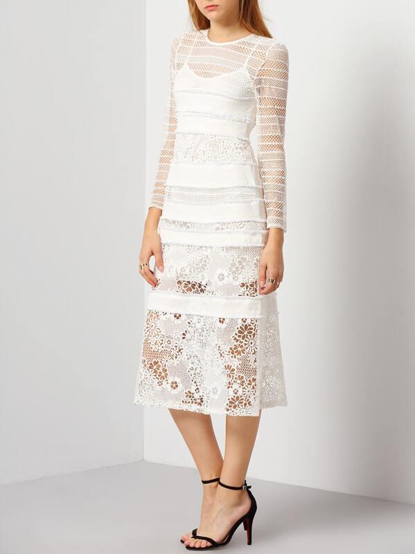 747378865e5 Белое комбинированное платье с кружевной вставкой