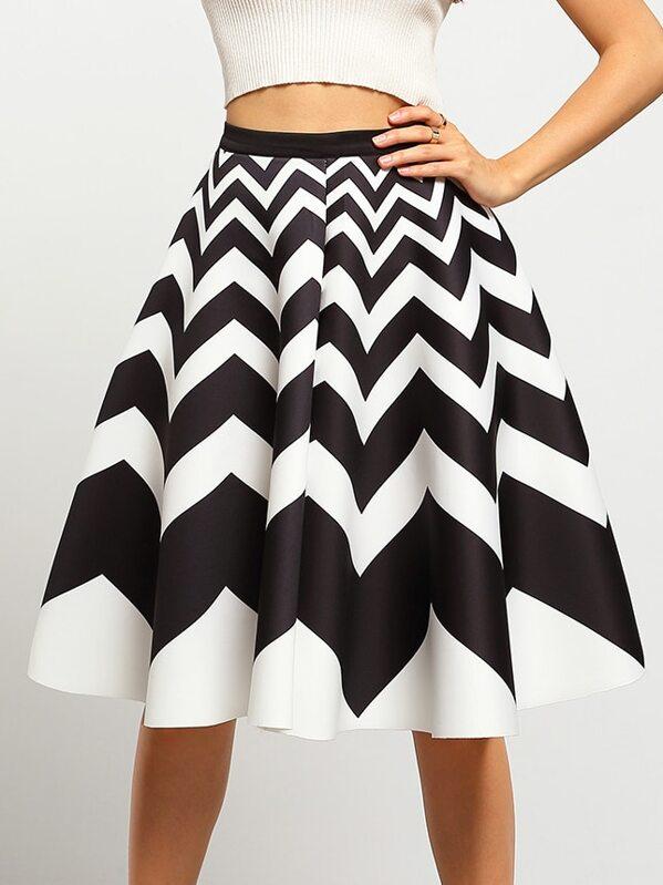 c597e3482 Black White Wave Pattern Flare Skirt | SHEIN