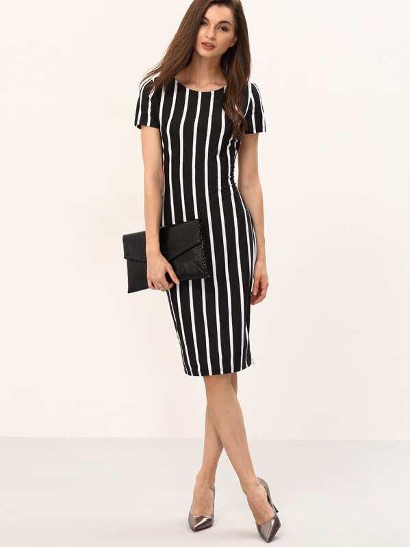 a8c85db1a فستان أسود مخطط عمودي أبيض كم قصير | شي إن