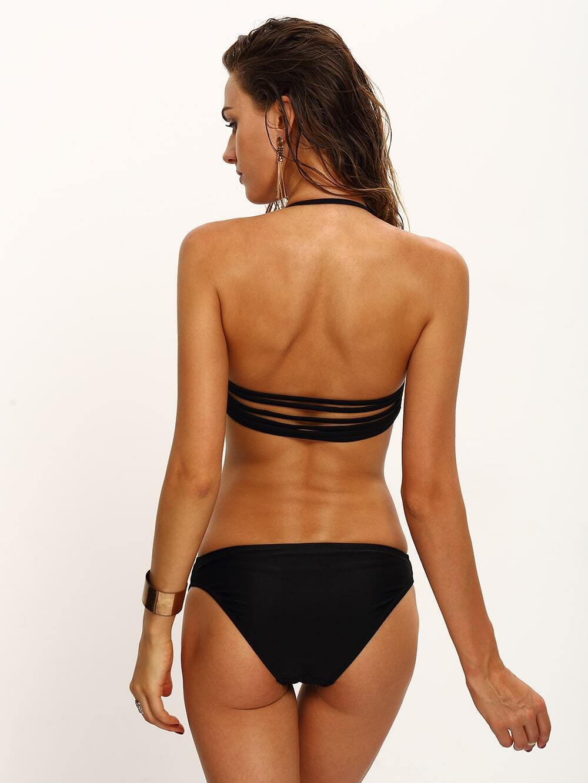 Bikini Tipo Tanga Fruncido Floreado Fondo Negro Con