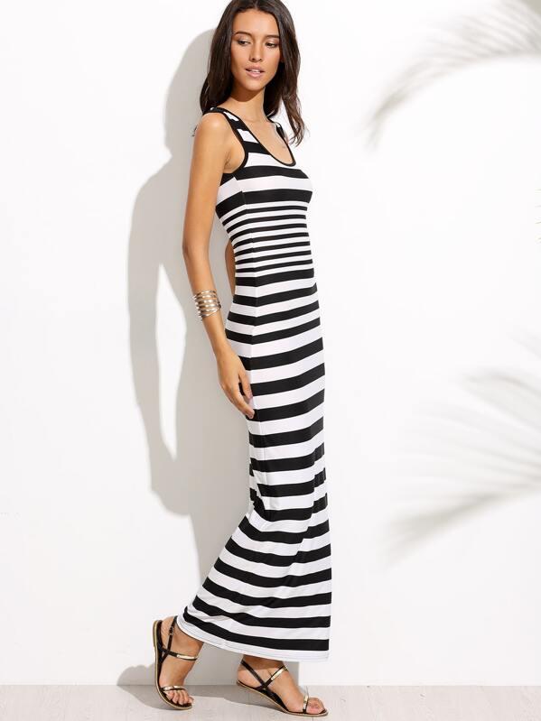 a93ac9b06a5d Vestito lungo smanicato a strisce - nero e bianco