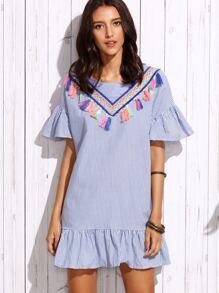 Сине-белое полосатое платье с вышивокй с бахромой с воланами