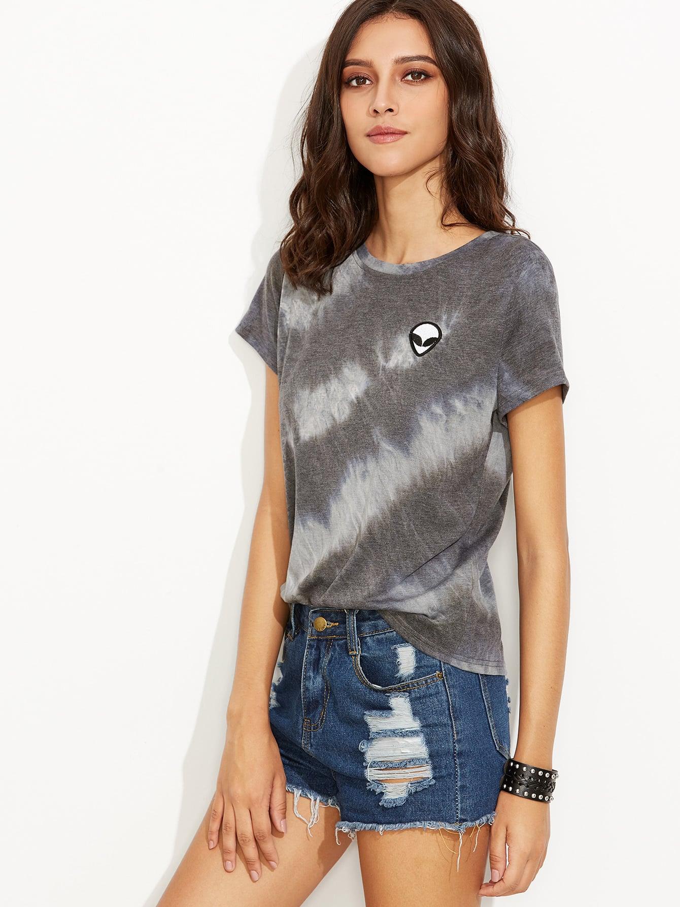 13424c6c402b6d T-Shirt Batik Druck mit Alien Patch - grau