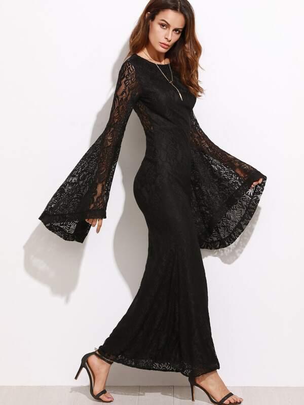 Kleid mit blumen und spitze