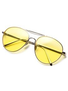76da0a7aaea03 Lunettes de soleil aviateur avec verre jaune