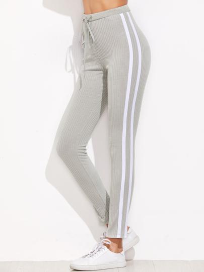 d410c41344 Pantalones de chándal con rayas - gris
