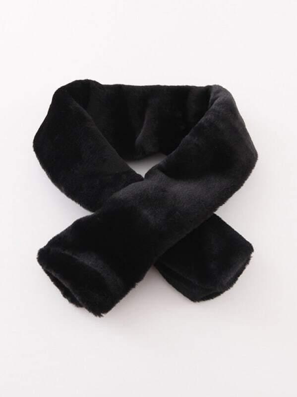 Black Faux Fur Tippet Scarf -SheIn(Sheinside) 5e99c6c0ebaa2
