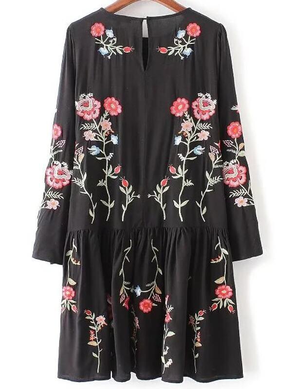 Платье черное с вышивкой фото