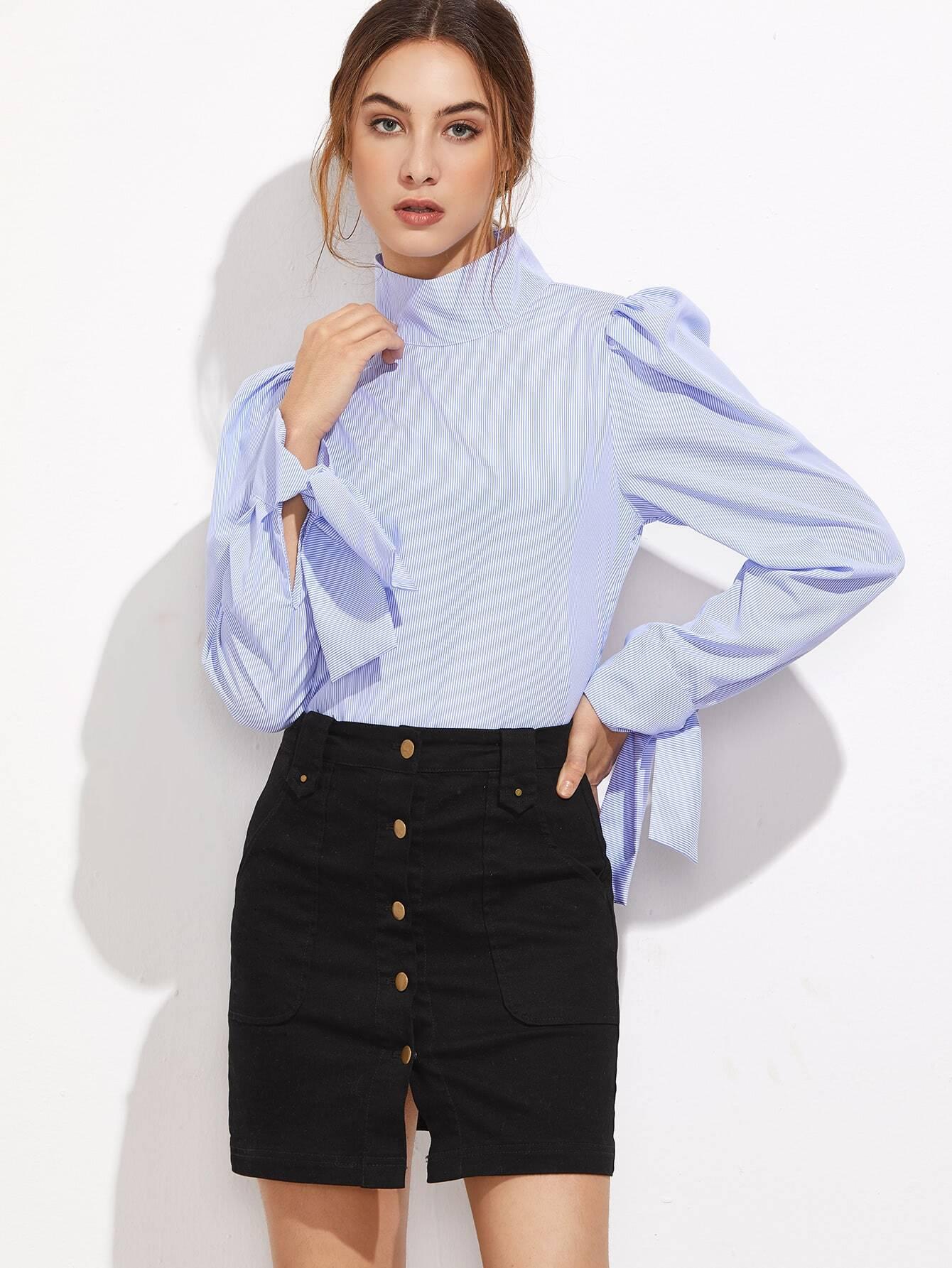 Bluse mit Hohem Kragen Schleife Puff Ärmel Knopf Streifen-blau ...