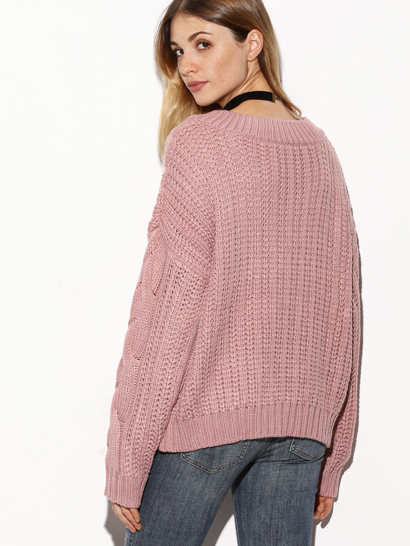 The ultimate chunky knit with a perfect cropped fit. Soft