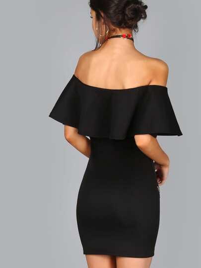 Rüschen Kleid mit Stickereien Rose Applikationen Schulterfrei ...