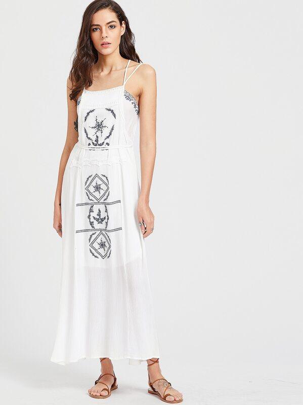 Slip Slip Weißes Weißes Kontrast Kontrast Kleid Gesticktes Gesticktes 8n0kXwPO