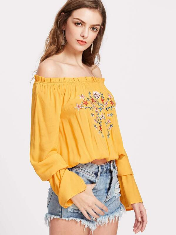 6c0a73e533e9f3 Flower Embroidered Ruffle Off Shoulder Top