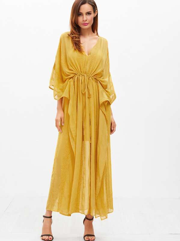 ff203010ad832 فستان أصفر طويل نسوي ياقة V
