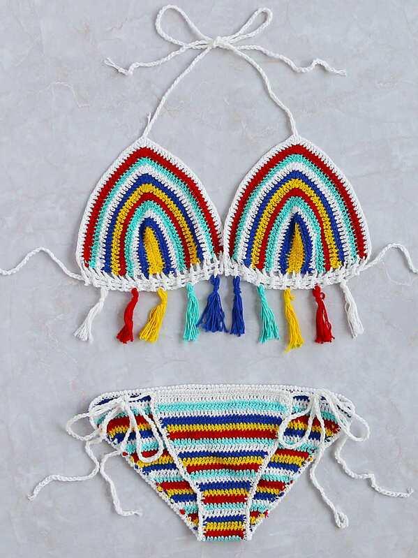 a6a470ac8bf8 Set bikini en triángulo de rayas con flecos de croché - multicolor