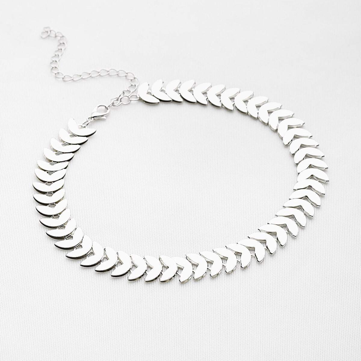 - Leaf Shaped Chain Choker