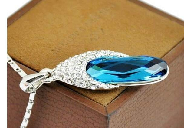 Blue Oval Austria Swarovski Crystal Bling Necklace