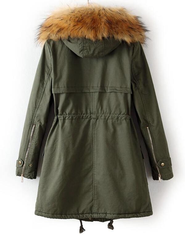 Abrigo verde con capucha